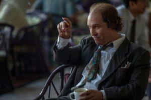 Matthew McConaughey als Kenny Wells mit Zigarette in Gold