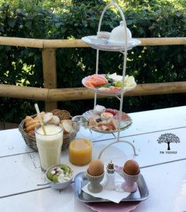Großes Frühstück im Schlosscafe Amerang